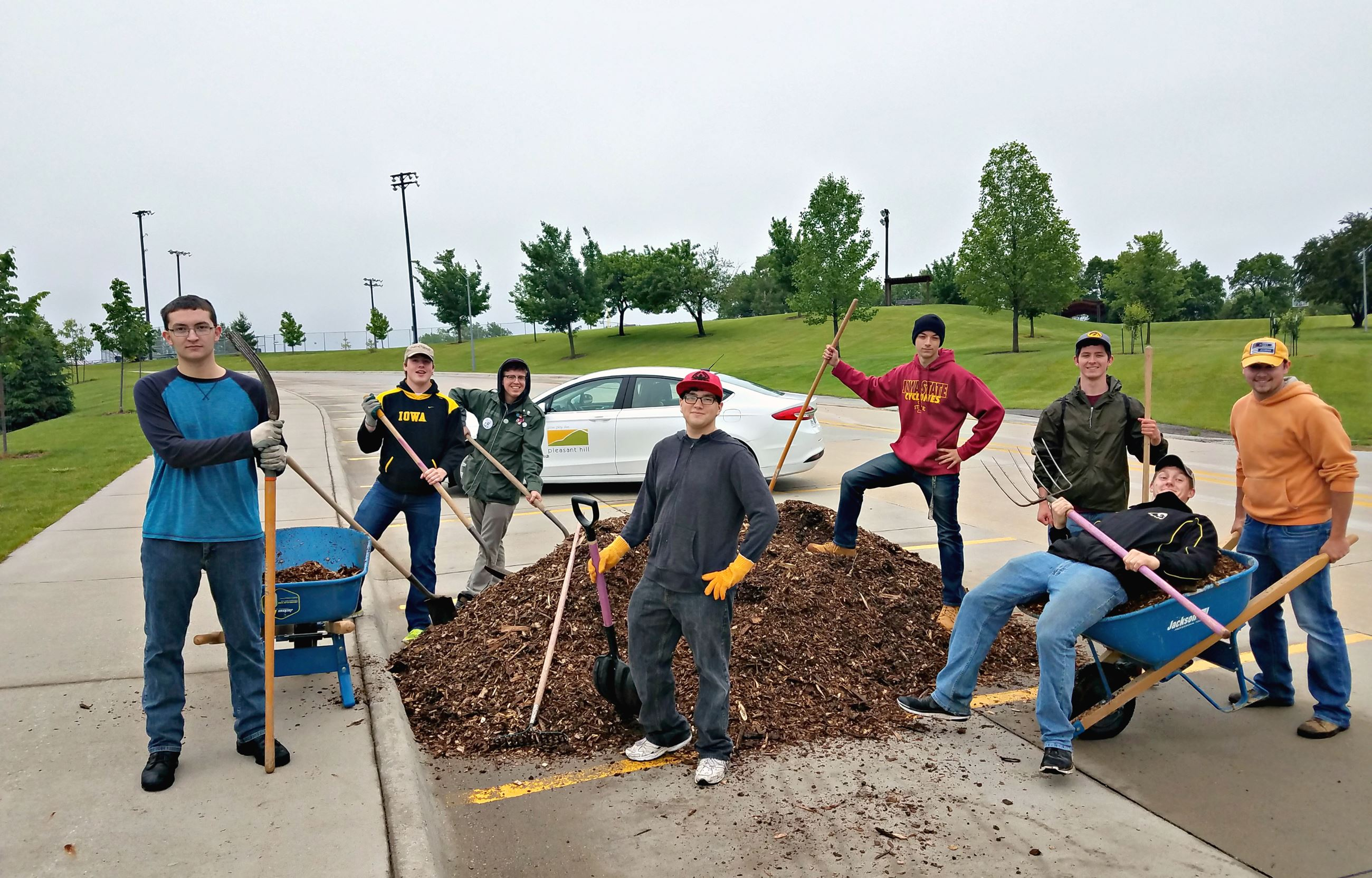 Seniors give back to Pleasant Hill community on Senior SCIP Day